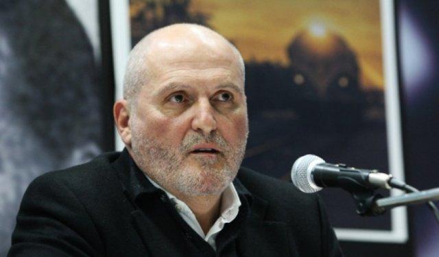 Veton Surroi krahason flamurin e Kosovës me  peshqirët e hoteleve në Turqi