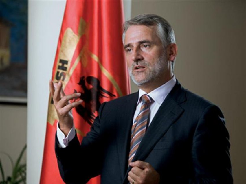 Thaçi  Ja sa shqiptarë jetojnë në Maqedoni