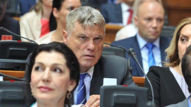 Përplasen serbët në Kuvend për Kosovën
