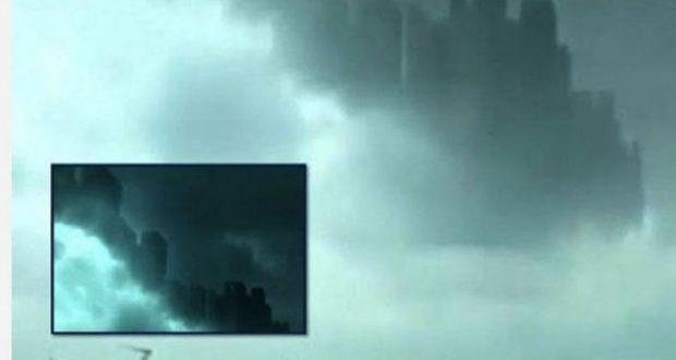 Ndërtesa masive dalin nga retë    Qyteti qiellor  shfaqet sërish  tmerrohen banorët