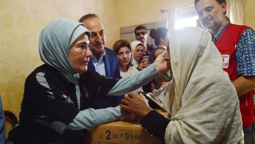 Emine Erdoğan solli shpresë për Arakanin
