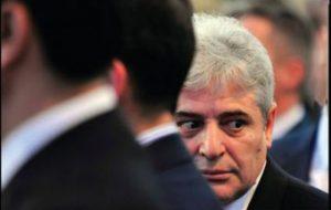 Info Shqip: Zotëri Ali Ahmeti, më mirë i copëtuar e i ndarë, sesa i nënçmuar dhe kokëçarë