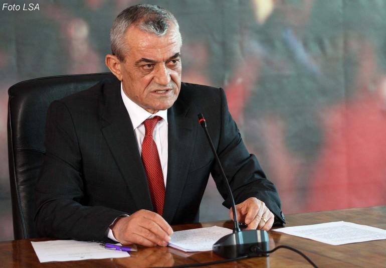 Kryeparlamentari i Shqipërisë Ruçi ka një thirrje për shqiptarët e Maqedonisë