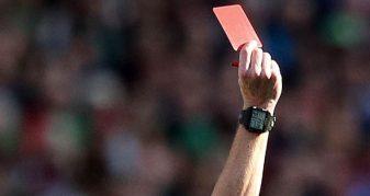 Info Shqip: E PABESUESHME / 7 kartona të kuq për një penallti (VIDEO)
