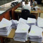 Info Shqip: Qeveria ka një lajm për administratorë që rrijnë në shtëpi