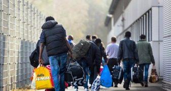 Info Shqip: Del shifra, ja sa miliardë dollarë kanë dërguar shqiptarët në këto vite nga emigrimi