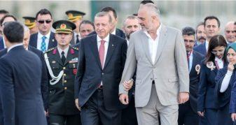 Info Shqip: Mediat botërore: Dera e BE-së nuk hapet për Shqipërinë nëse Rama vazhdon dashurinë për Erdoganin