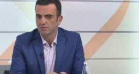 """Info Shqip: Nëse bën ujdi me """"dreqin"""", mos u shit """"melaqe""""!"""