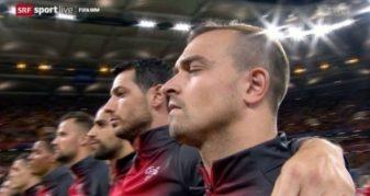 Info Shqip: Nga katër shqiptarë vetëm njëri prej tyre  ka kënduar himnin e Zvicrës para ndeshjes me Brazilin