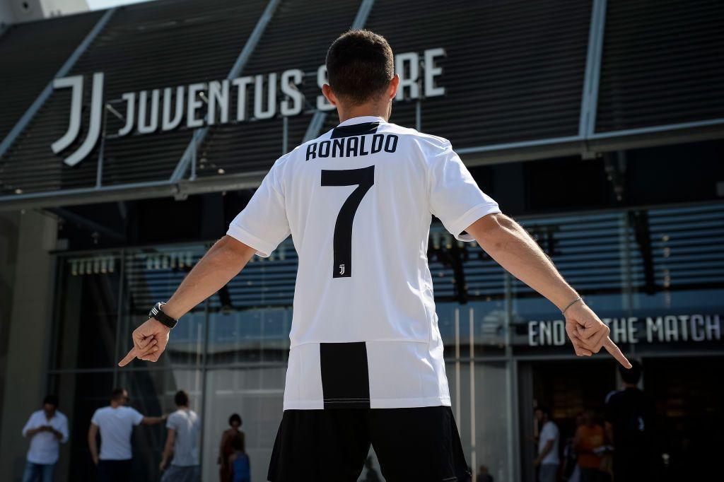 Vetëm 3 ditë pas zyrtarizimit të Ronaldo s Juventus fiton mbi 30 milionë euro