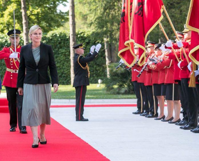 Presidentja kroate e ngatërroi Kosovën me Shqipërinë