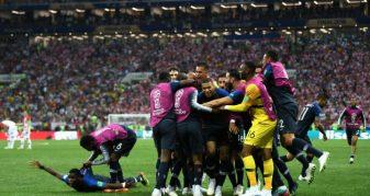 Info Shqip: Franca mposht Kroacinë dhe shpallet kampion bote