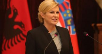 Info Shqip: Fjalët e Presidentes kroate në Tiranë shokojnë serbët