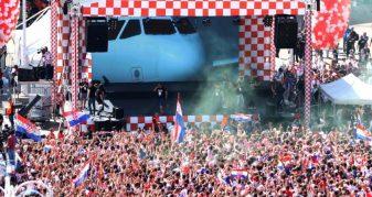 Info Shqip: Kroacia kthehet në atdhe, pritje madhështore nga 80 mijë tifozë