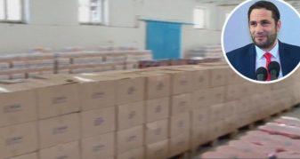 """Info Shqip: Elvis Naçi hap """"Magazinën e Bamirësisë"""" me 60 ton ushqime për të varfërit"""