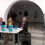 """Info Shqip: Studiuesja dhe profesoresha universitare Ajtene Qamili e promovon librin """"Perla gjuhësore"""""""