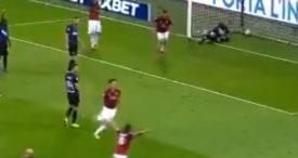 Info Shqip: Shikojeni se si gjyqtari i'a anuloi golin yllit të Milanit ndaj Interit