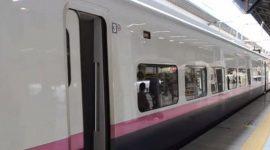 Info Shqip: Shikojeni se çfarë ndodh për 7 minuta me trenat japonezë kur mbërrijnë në stacion (VIDEO)