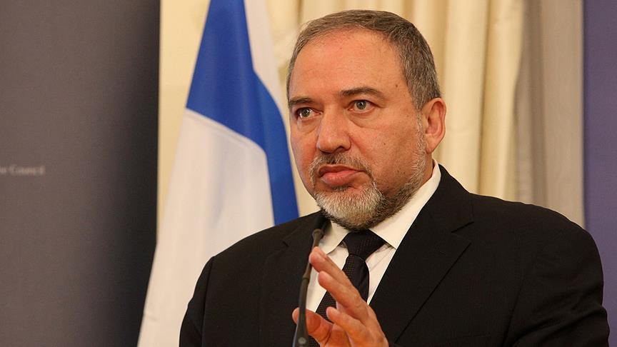 Fitore politike e palestinezëve  dorëhiqet ministri izraelit i Mbrojtjes