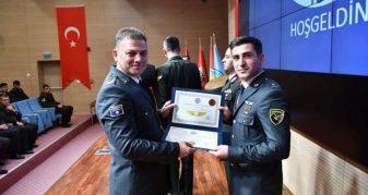 Info Shqip: Diplomon piloti i parë i Ushtrisë së Kosovës (FOTO)