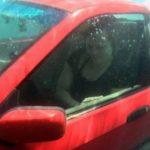 Info Shqip: Mësoni si të shpëtoni nëse bini me makinë në ujë