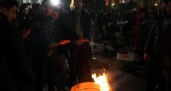 Info Shqip: Vazhdon protesta para Kryeministrisë në Tiranë, nisin tensionet mes policisë dhe studentëve