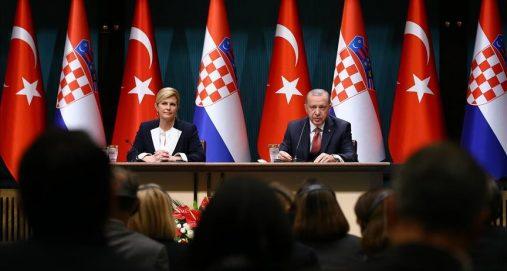 Info Shqip: Pas takimit me presidenten kroate Erdogan porosit: Marrëveshja e Dejtonit duhet të rishikohet