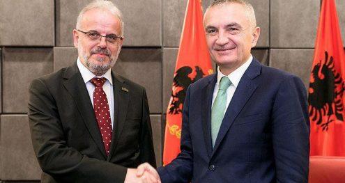 Info Shqip: Presidenti Meta mesazh Talat Xhaferit për zyrtarizimin e gjuhës shqipe
