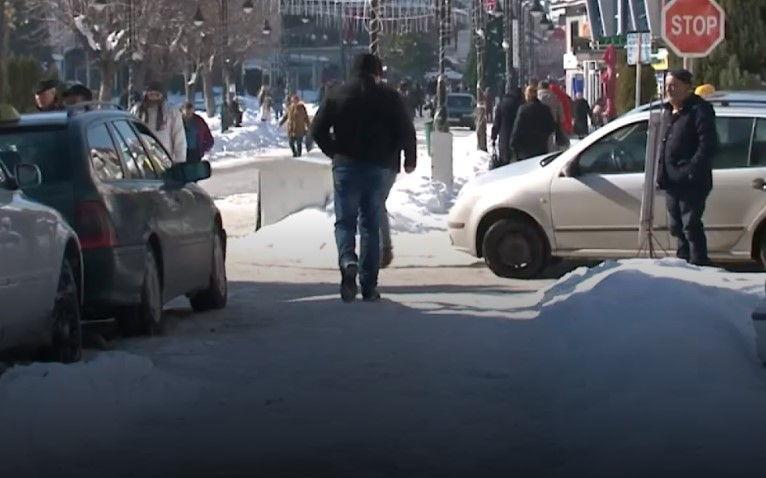 Struganët padisin Komunën për rrugët e pa pastruara