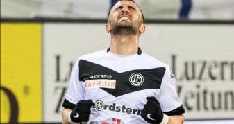 Info Shqip: Sadiku shënon gol pas 15 muajsh dhe shpërthen në lot (VIDEO)