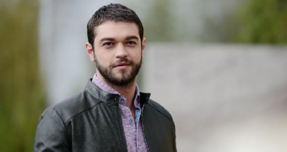 Info Shqip: Po martohet 'Sinani', nuk do të besoni me cilën aktore të njohur (FOTO)