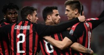 Info Shqip: Milanit i nevojitet një mbrojtës, Maldini piketon mbrojtësin e Barcelonës