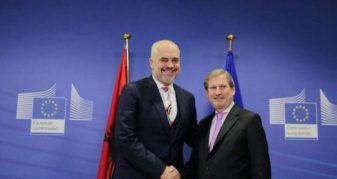 Info Shqip: Negociatat, Rama takon komisionerin Johannes Hahn