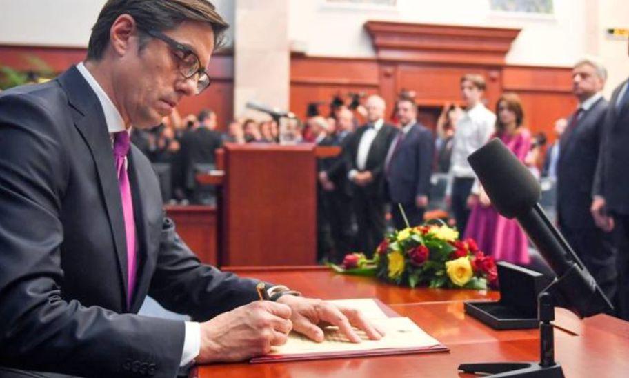 Shqipja bëhet gjuha e dytë zyrtare në Maqedoni