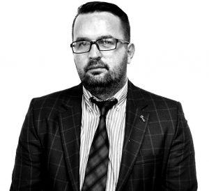 Info Shqip: Maqedonia, vendi ku çmohen politikanët hajna e nënçmohen arsimtarët