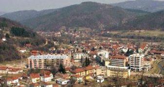Info Shqip: MPJ e Serbisë i shlyen shqiptarët nga regjistrat civil në Medvegjë (VIDEO)