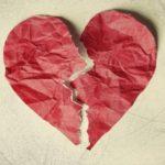 """Info Shqip: Sindromi i """"Zemrës së Thyer"""" është i vërtetë: Po, mund të vdisni nga ndarja me partnerin!"""