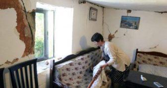 Info Shqip: Washington Post: Lajmet e rreme pas tërmetit i nxjerrin shqiptarët jashtë shtëpive (FOTO)