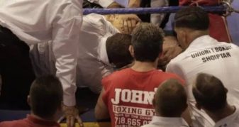 Info Shqip: Momenti kur boksieri bullgar kolapson dhe ndërron jetë në ring gjatë meçit me shqiptarin