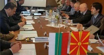 """Info Shqip: Kris dajaku mes historianëve bullgar dhe maqedonas, duke folur për """"fqinjësi të mirë"""""""