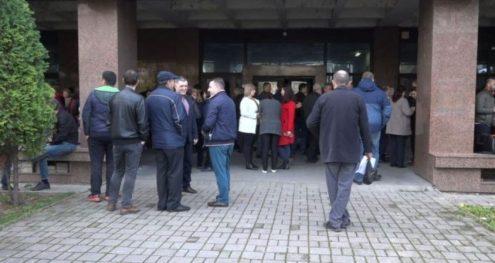 Info Shqip: Administrata e gjykatave në grevë, kërkojnë rroga më të larta