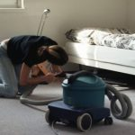 Info Shqip: Rriten pagat minimale për pastruesit në Zvicër