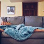 Info Shqip: Çka bëjnë njerëzit e suksesshëm çdo natë para se të bien në gjumë?