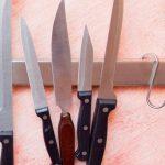Info Shqip: Me këtë truk të thjeshtë do t'i eliminoni pikat e ndryshkut nga thikat tuaja