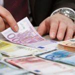 Info Shqip: Euro po rritet dhe dollari po bie, pse?