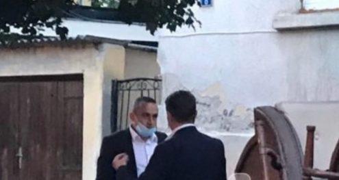Info Shqip: Dramë në Shkup, kapet 'mat' Mickovski pranon se ka qenë në kafene, nuk e ka ditur se s'duhej të ulet brenda